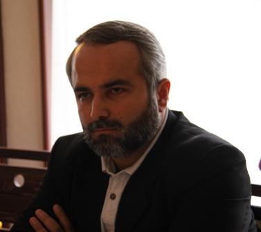 دکتر میلاد محقق، پژوهشگر و نویسنده