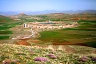تخت سلیمان و مناظر اطراف آن