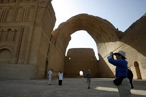 طاق کسری در عراق