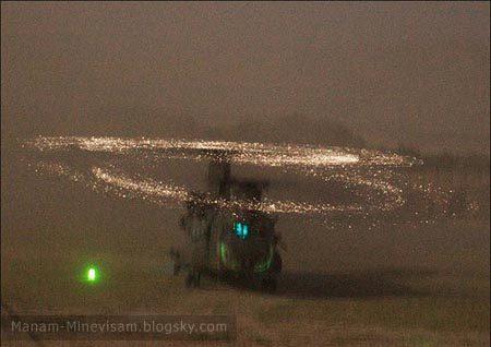 تصاویری خارق العاده و عجیب از یک هلیکوپتر در صحرا