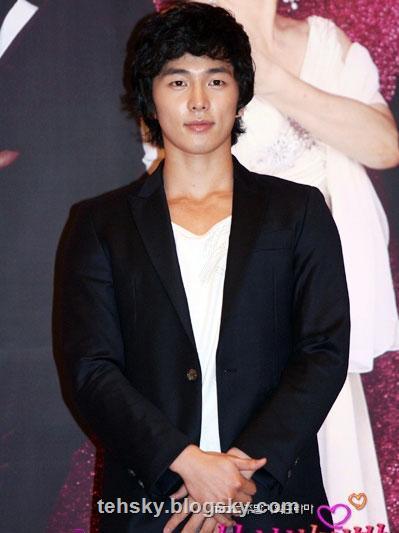 http://s1.picofile.com/melika/Pictures/tehsky/korean/2.thsky.blogsky.com.jpg