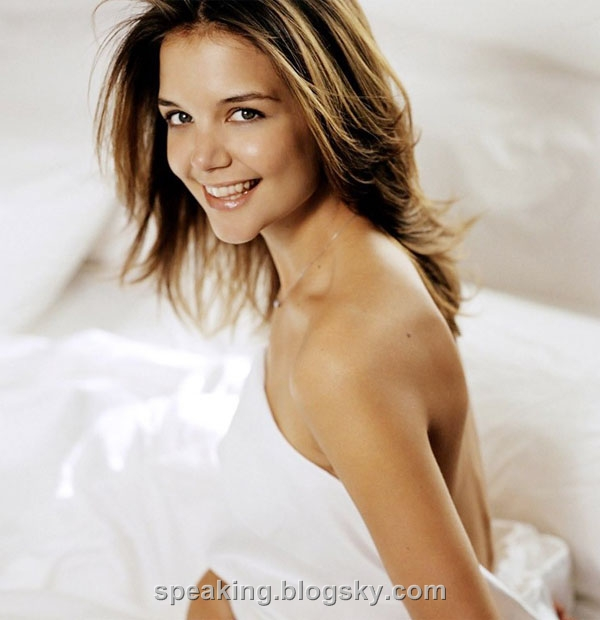 katie holmes hottest. Katie+holmes+hot+pants