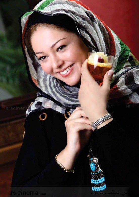http://s1.picofile.com/file/6331855130/Rozita_Ghafari_1_.jpg