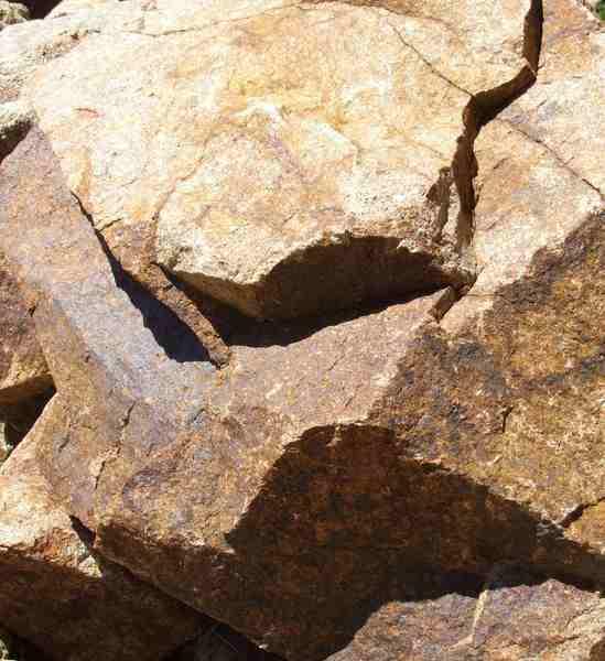 سنگ گرانيت : يك نمونه سنگ آذرين