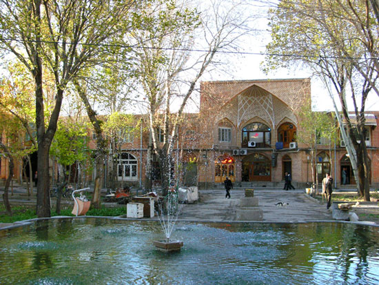 http://s1.picofile.com/file/6520854124/Bazaar_of_Tabriz14.jpg