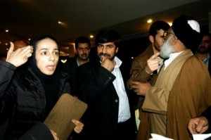 http://s1.picofile.com/file/6533891346/Masih_Alinejad_MP_fight1_300x199.jpg