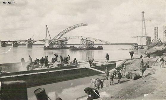عکس قدیمی از ساخته شدن پل معلق (سفید) اهواز بر روی رودخانه کارون