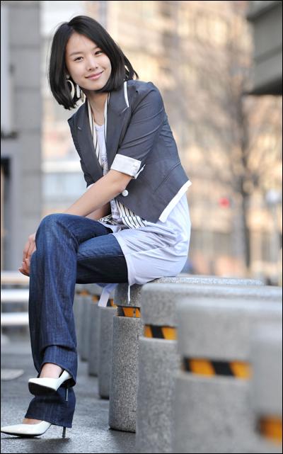 عکس های Jo Yoon Hee