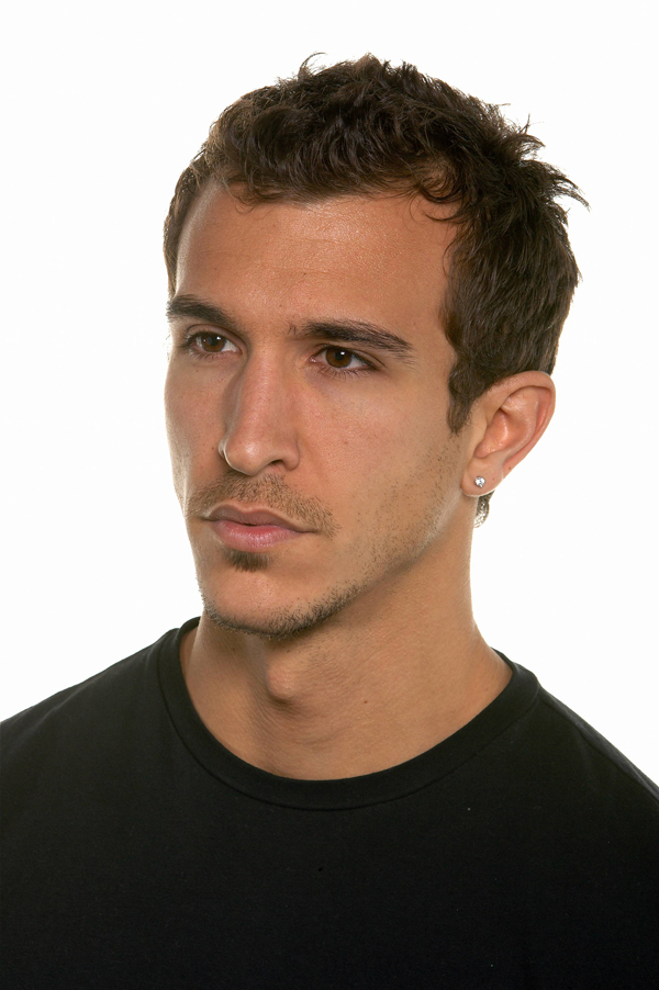 http://s1.picofile.com/file/6701350100/Real_Desmond_Miles_or_Altair_by_Butterfly386.jpg