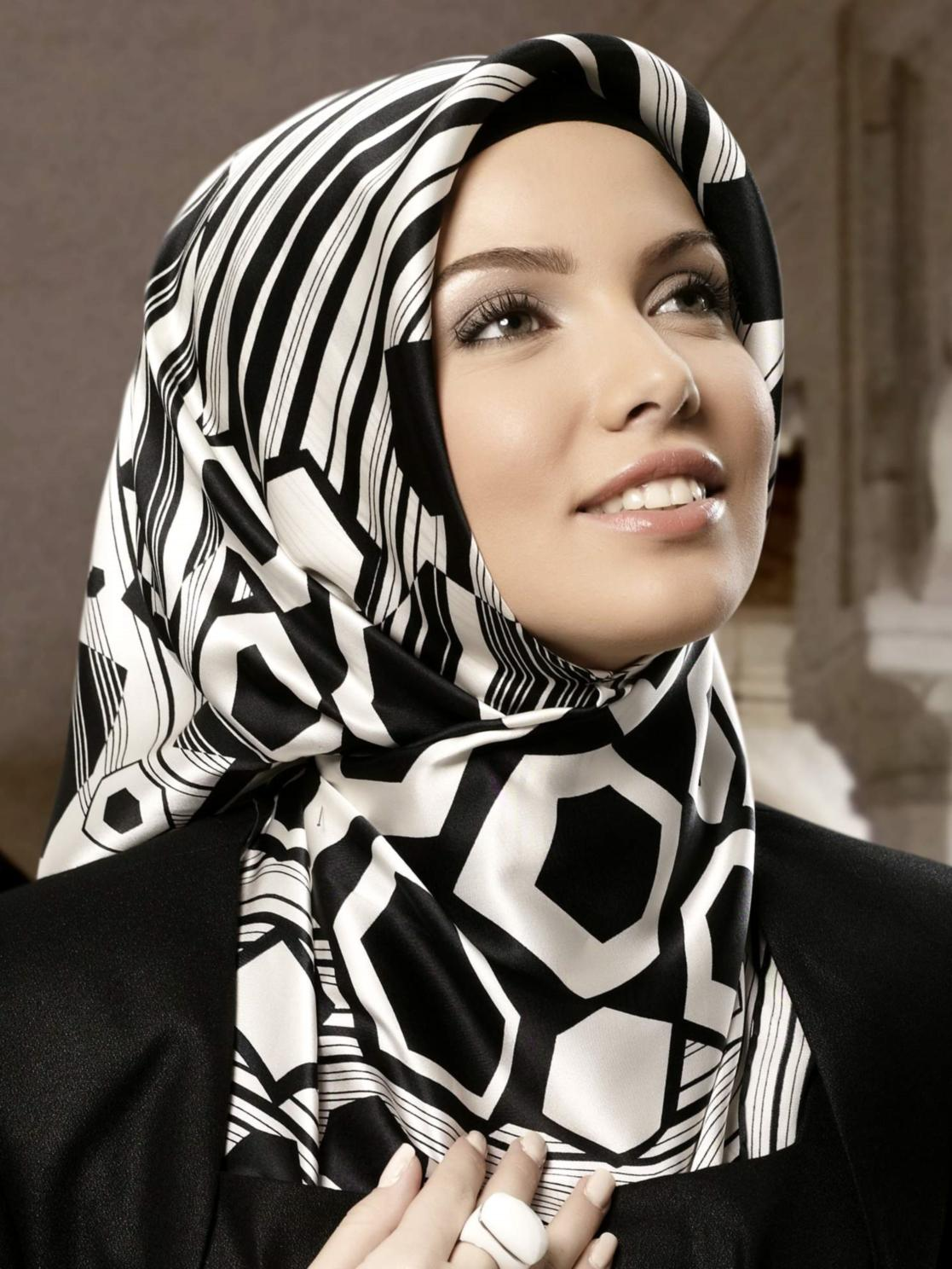 فیلم آموزش بستن روسری سایز بزرگ نویسنده : admin