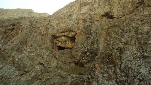 غار بیوک آقا، تنگه لالون