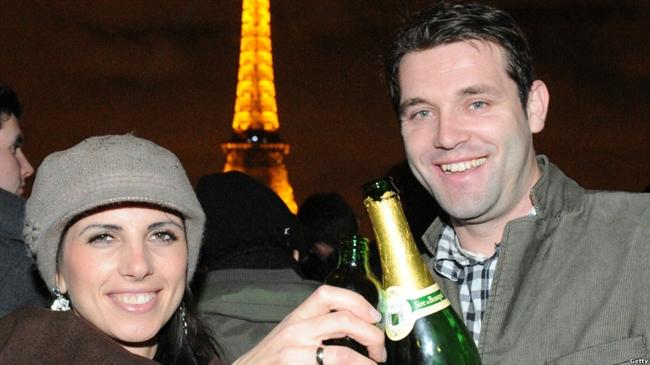 شادی آغاز سال نو در پاریس