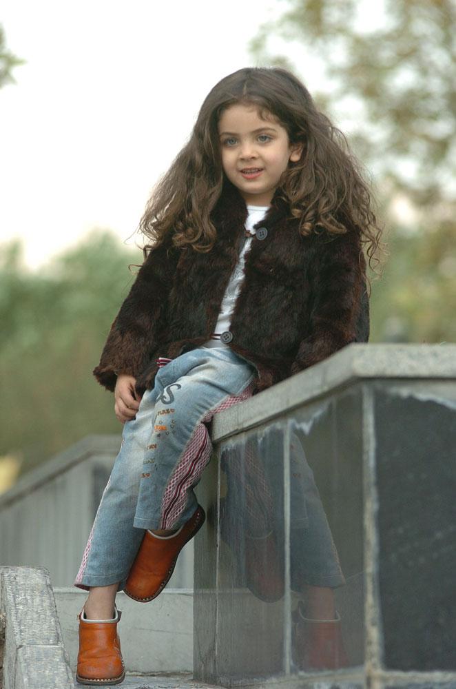 http://s1.picofile.com/file/7259565806/Armita_moradi04.jpg