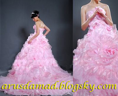 [تصویر:  beautiful_pink_wedding_dresses.jpg]