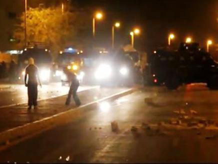 کوکتل مولوتف سلاح جوانان بحرینی / انقلاب برای یک بحرین آزاد