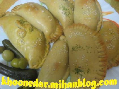 پیراشکی اسفناج و پنیر