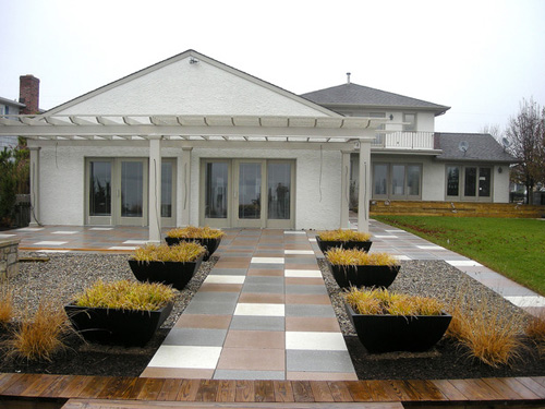 http://s1.picofile.com/file/7339601826/RMS_66nick_hardscape_walkway_gray_brown_white_s4x3_lg.jpg