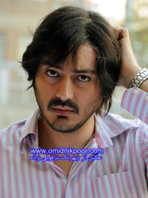نیما شاهرخ شاهی در نقش رجب شوهر بلور