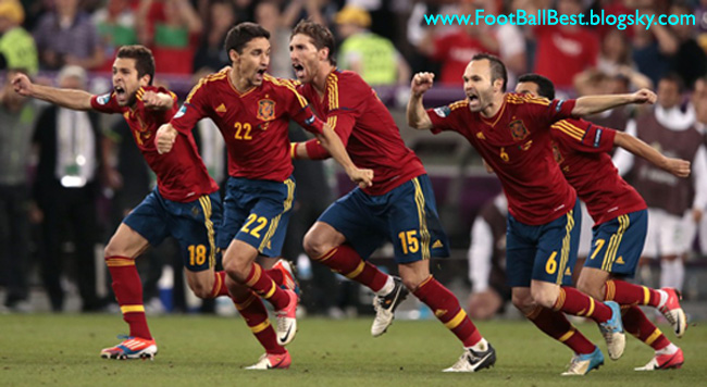 http://s1.picofile.com/file/7435040963/Spain_Euro_2012_FootBallBest.jpg