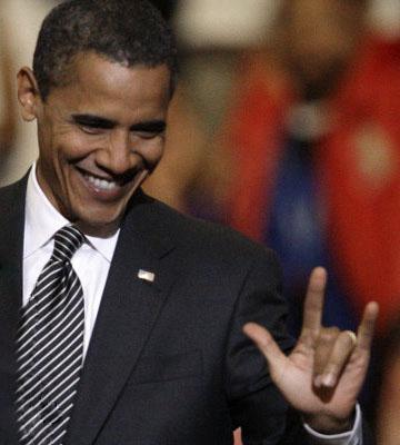 اوباما با دست شیطان نماد فراماسونری