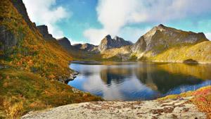 والپیپر دریاچه و کوهستان