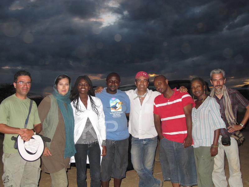 مهتاب کرامتی در بین مردم افریقا