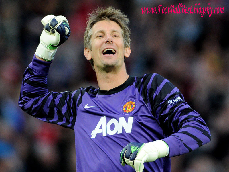 http://s1.picofile.com/file/7534972682/Van_Der_Sar_Best_Saves_For_United_FootBallBest.jpg