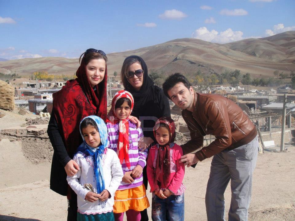 مهراوه شریفی نیا در مناطق زلزله زده