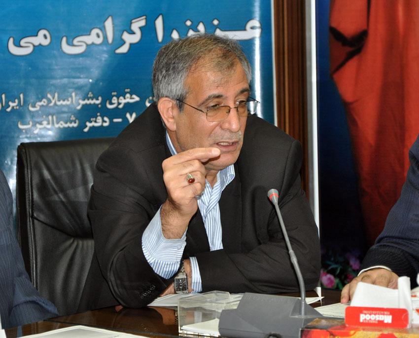 مهندس صادق نجفی  در نشست هيئت امناي دفتر منطقه 7 کمیسیون حقوق بشراسلامی با بزرگان و معتمدين شهر تبريز