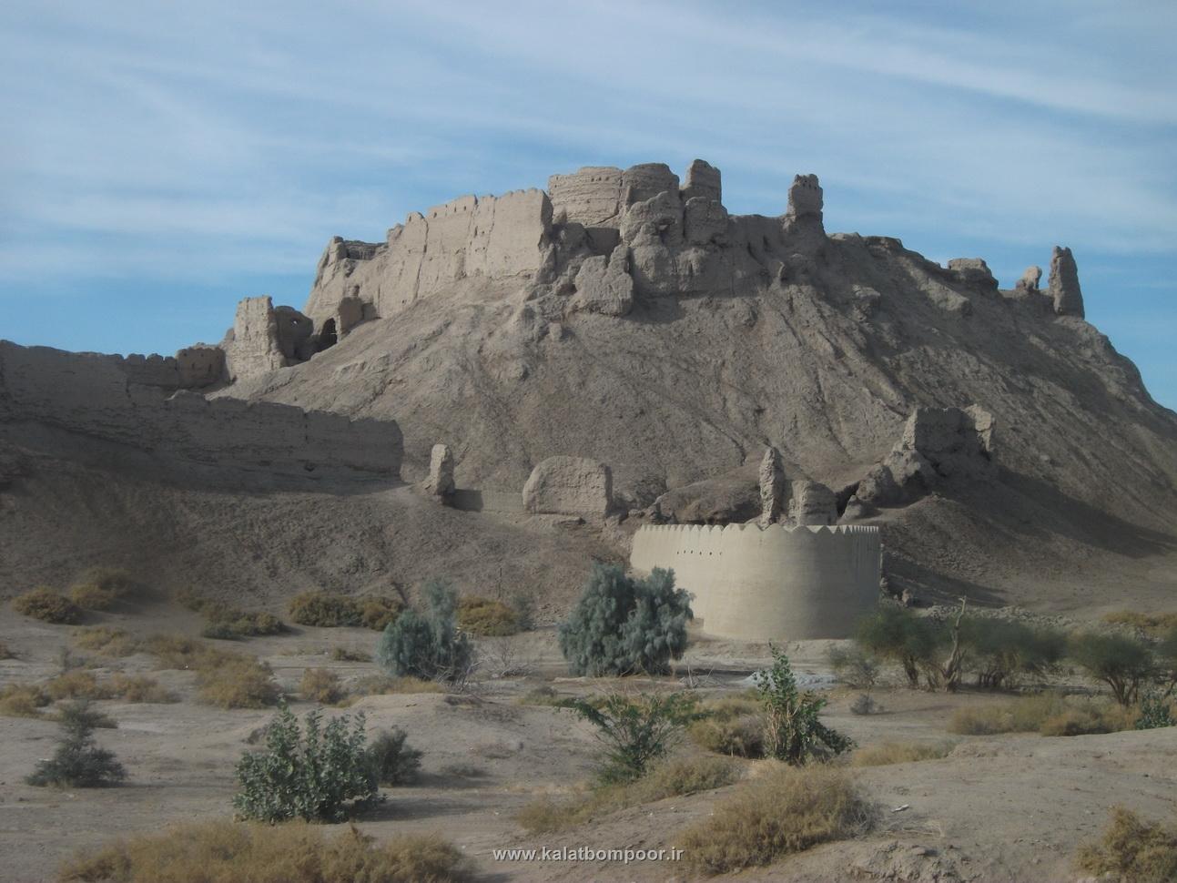 قلعه تاریخی بمپور به روایتی دیگر