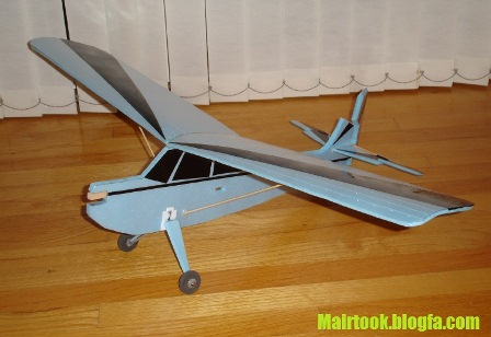 هواپیمای ساده فومی