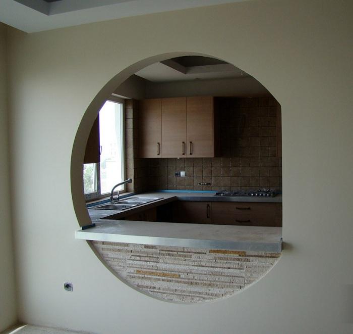 سنگ آنتیک لب پر بین کابینت آشپزخانه