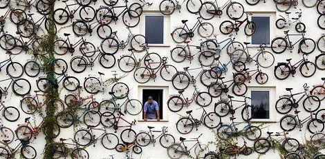 عجیب ترین دوچرخه فروشی جهان + عکس