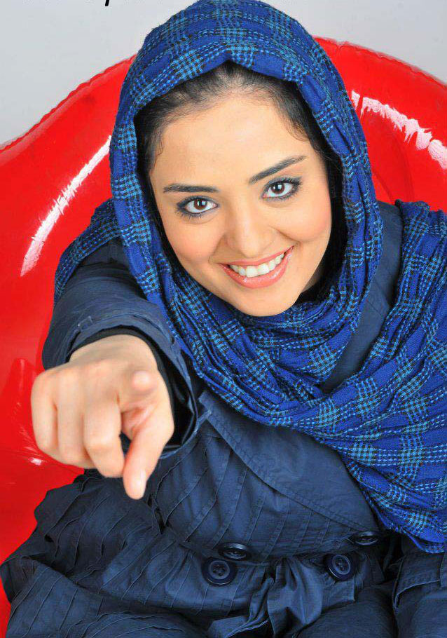 http://s1.picofile.com/file/7720819672/narges_mohammadi04.jpg