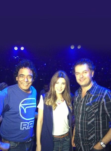 تصاویر نانسی عجرم و محمد منیر در عرب ایدول Nancy with Mohammad Mounir and fans in Arab Idol Rehersals