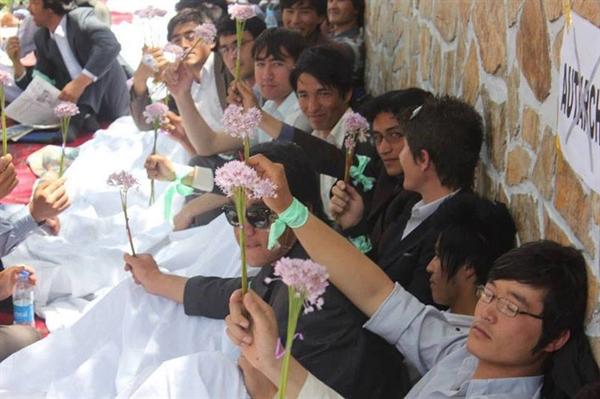 اعتصاب غذایی دانشجویان، دانشکده علوم اجتماعی دانشگاه کابل، اعتراض صنفی دانشجویان، غلام فاروق عبدالله، فیصل امین، حمایت از دانشجویان دانشگاه کابل، حمایت از تحصن غذایی دانشجویان دانشگاه کابل
