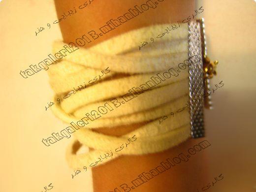 http://s1.picofile.com/file/7844032147/soheila.jpg
