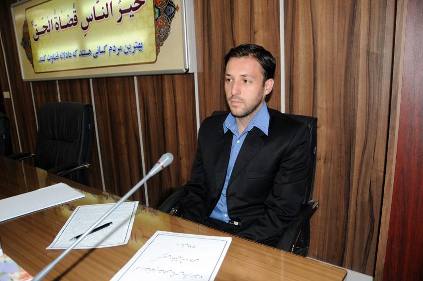 کیومرث سلیم زاده  مسئول برگزاری این تور و مدیر روابط عمومی دفتر منطقه ۷ کمیسیون حقوق بشراسلامی