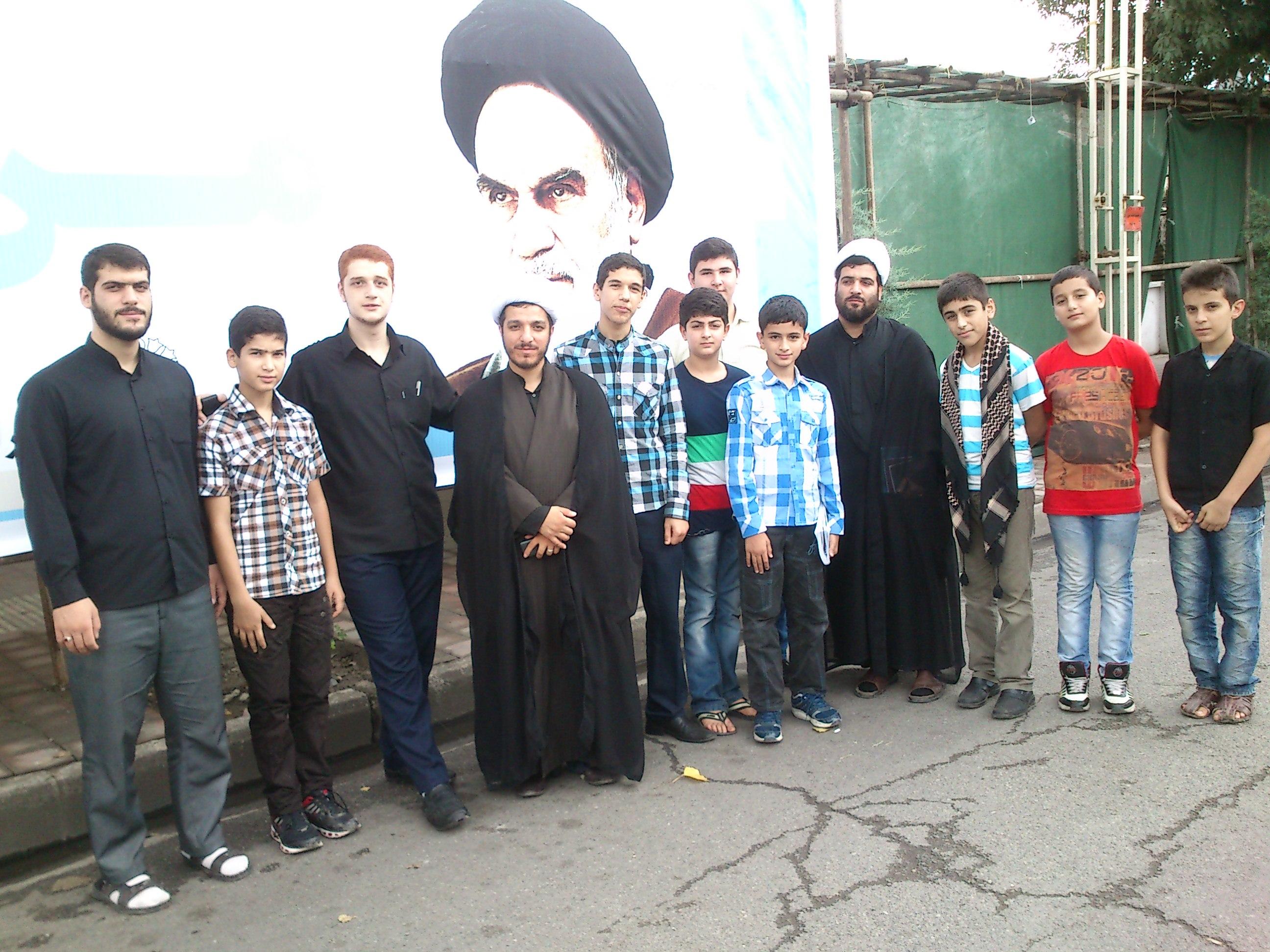 حضور اعضای پایگاه شهید نواب در راهپیمایی روز قدس