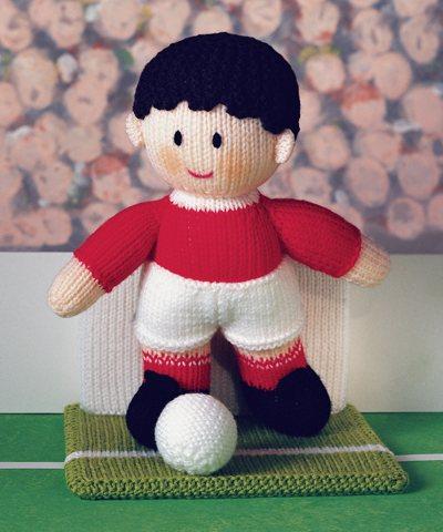عروسک بافتنی فوتبالیست