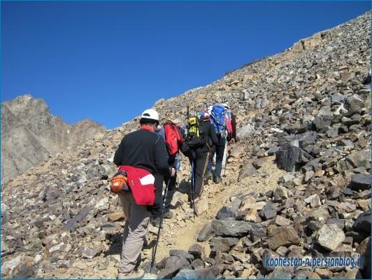 قله علم کوه از مسیر حصارچال