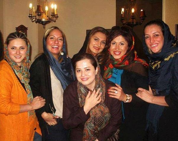 مهناز افشار و شریفی نیا با پوششی جدید در یک مهمانی خودمانی