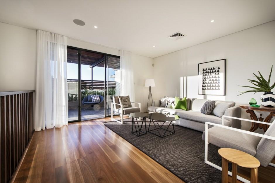 خانه ی وارهاوس در استرالیا با حیاط مرکزی