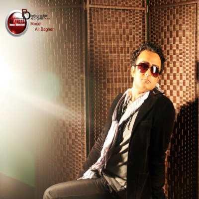 http://s1.picofile.com/file/7943405799/Ali_Bagheri_Ft_Nima_Shams_Hame_Donyami_128_.jpg