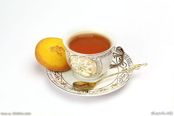 باید تو هم محکوم در خود سوختن باشی  یا مثل چایی که می افتد از دهن باشی