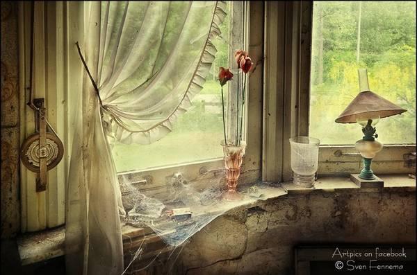 صبح روزی پشت در می آید و من نیستم قصه دنیا به سر می آید و من نیستم