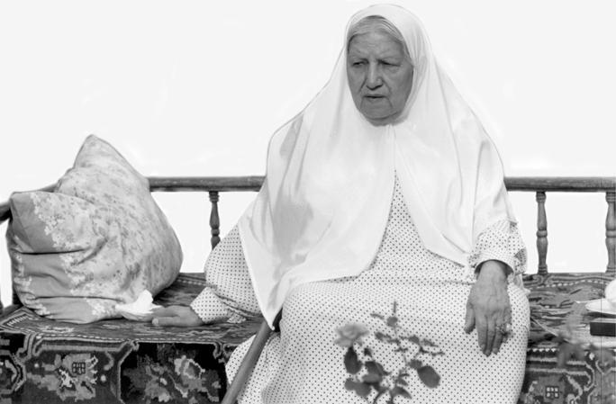 رقیه چهرهآزاد مادربزرگ افسانه چهرهآزاد