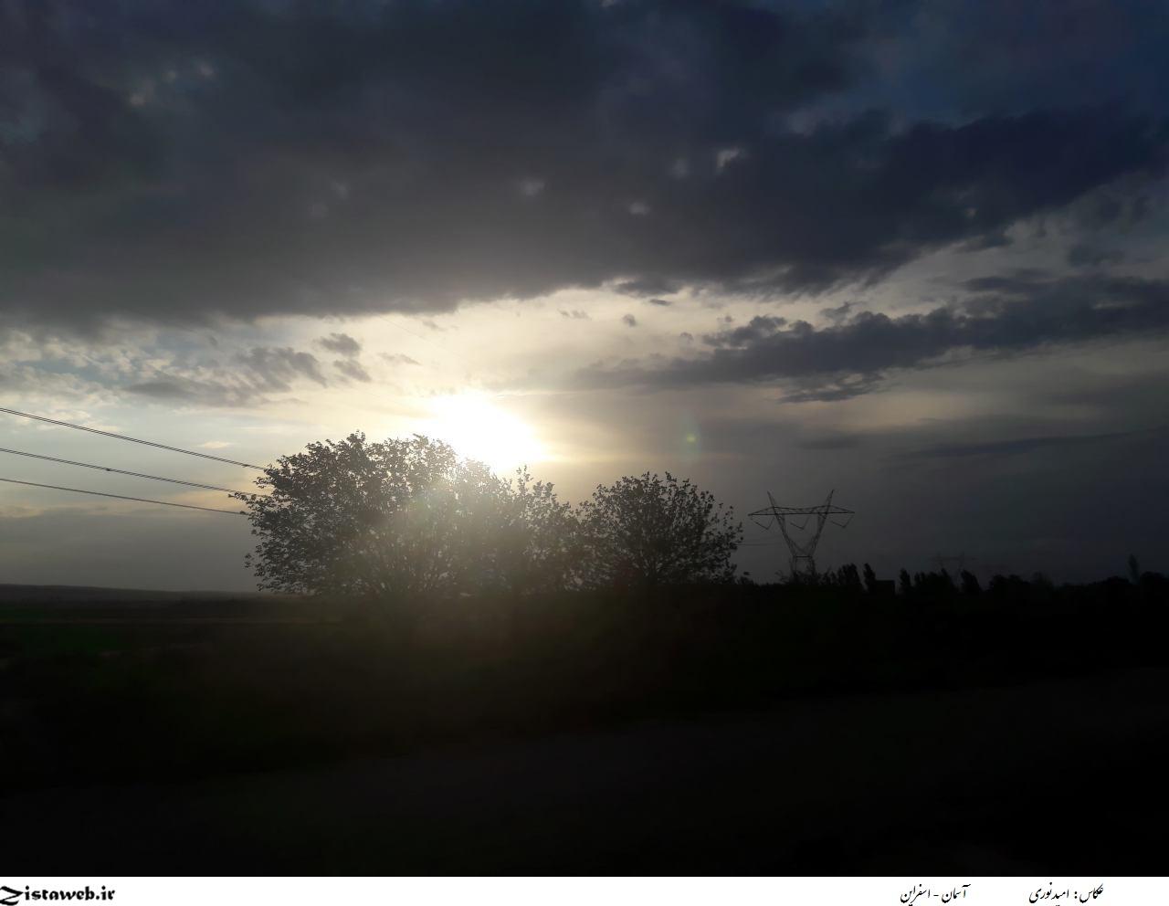 عکسی زیبا از آسمان اسفراین / عکاس : امید نوری