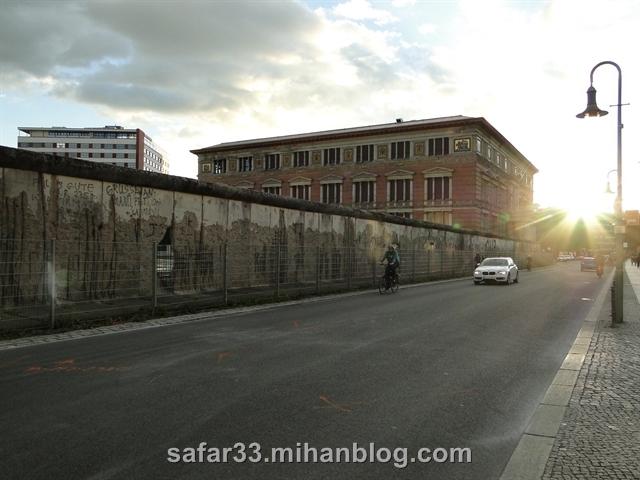 berlin wall    دیوار برلین