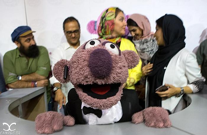 مراسم رونمایی از محصولات جناب خان